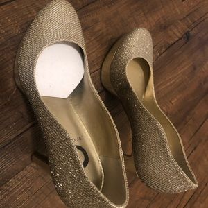 G by Guess Sparkly Glamorous Pumps